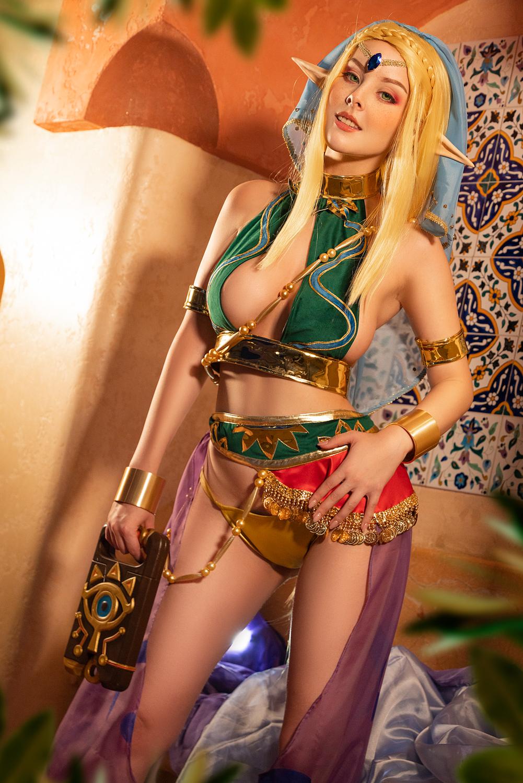 221950-cosplay_zelda__gerudo_outfit_insp