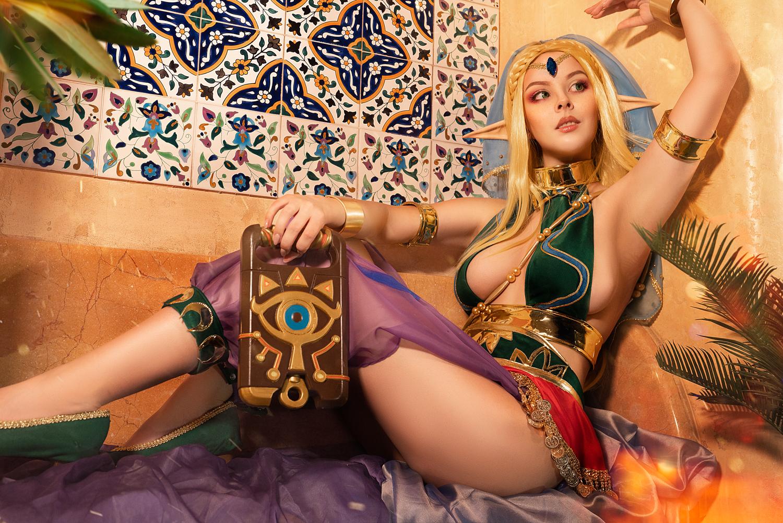 221951-cosplay_zelda__gerudo_outfit_insp