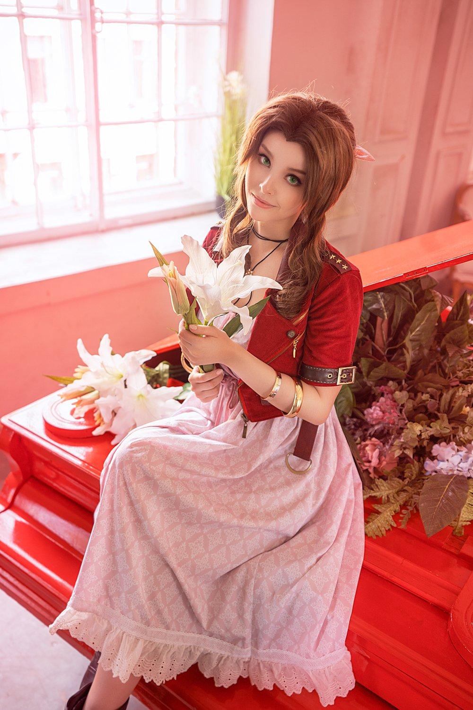 120750-cosplay_aerith_by_disharmonica_de