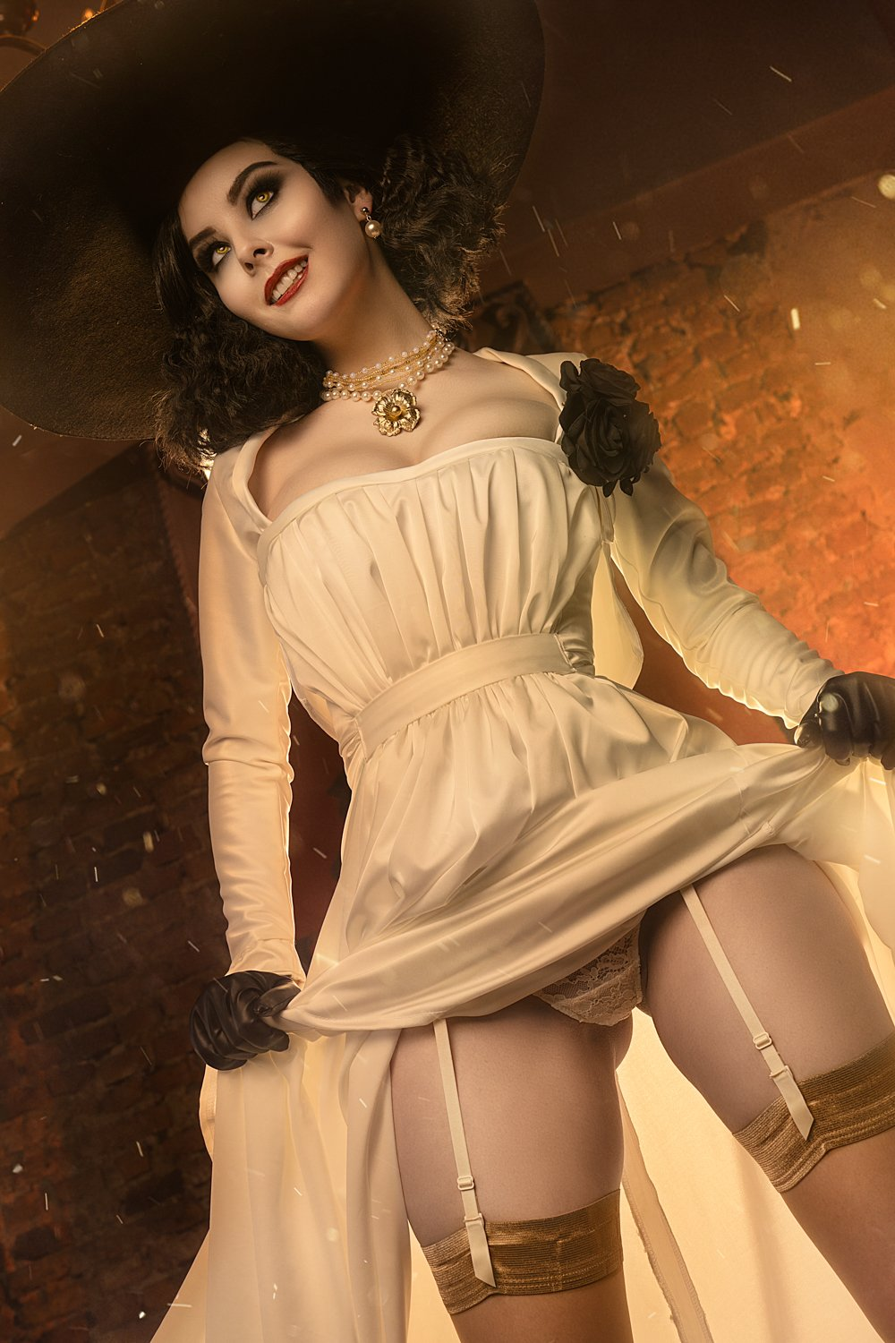 125657-cosplay_lady_dimitrescu_by_dishar